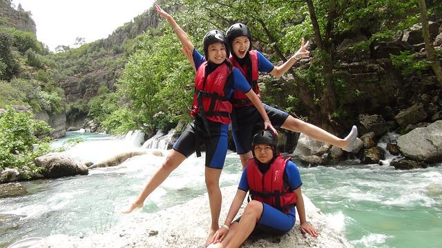 rafting-1125215_640