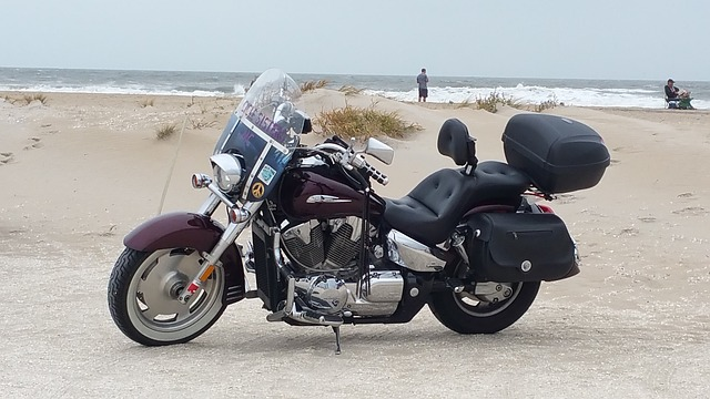 motorcycle-1009061_640